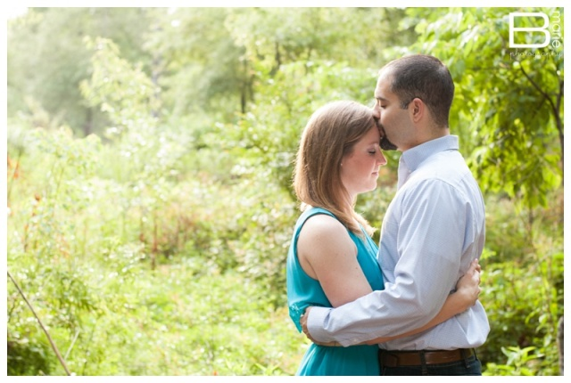 Nacogdoches photographer engagement session in Houston arboretum