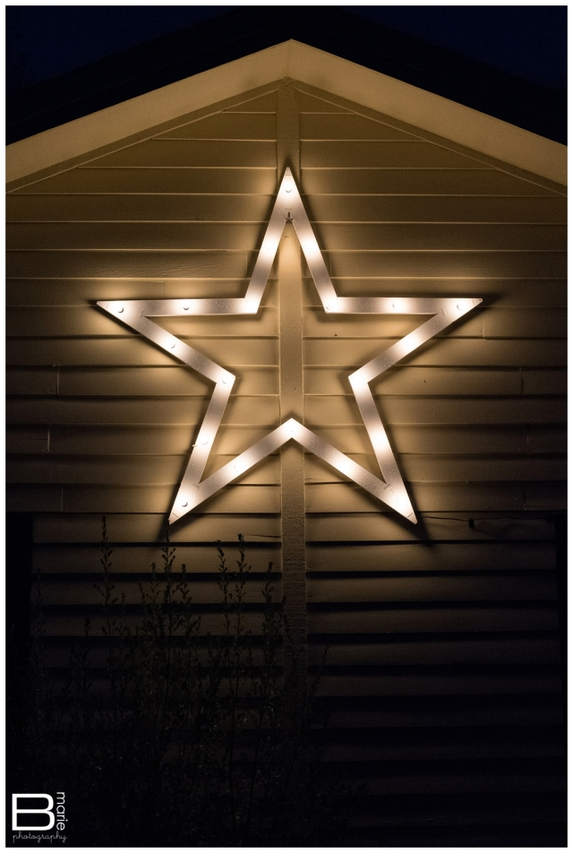 Nacogdoches photographer receives lighted Christmas star in remembrance of her grandfather