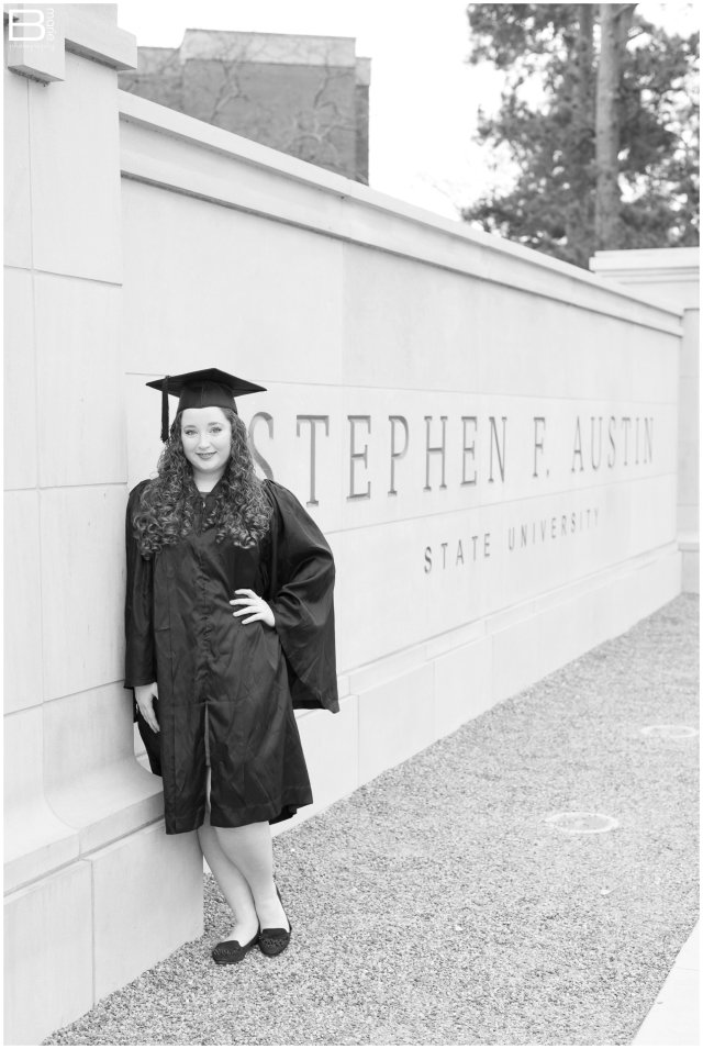 Nacogdoches photographer images of a female SFA graduate on campus