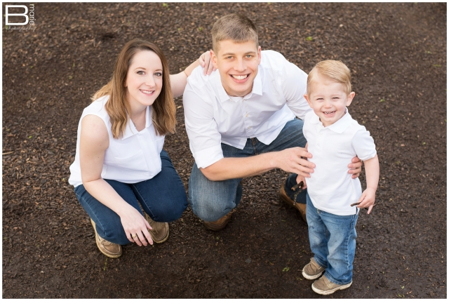 Nacogdoches photographer family portraits in a park